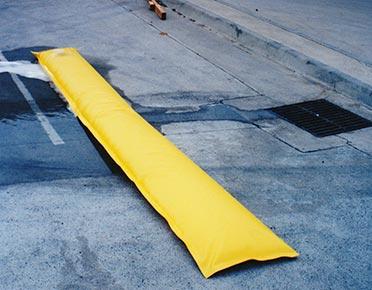 PVC portable water barriers - 2m spill bund