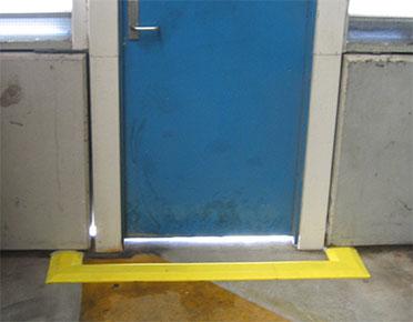 Global Easy Bund Floor Bunding In Doorway Global Spill