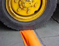 Smart bund drive over bunding