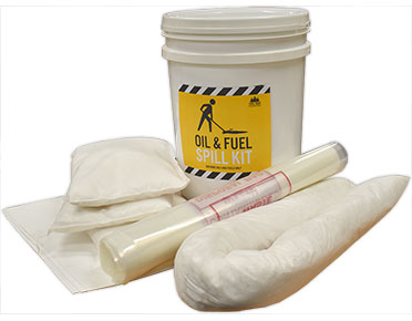 Oil and fuel spill response kit 40 litre absorbent capacity