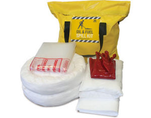 Oil and fuel spill response kit