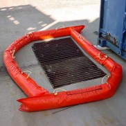 Portable containment barriers