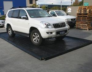 Bunded mats - easy store spill mats heavy duty