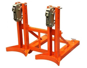 Forklift drum clamps for two 205L drums