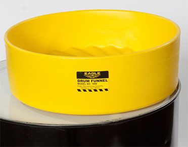 Single drum funnel with flame arrestor