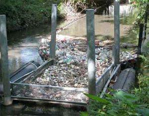 Aquatic and marine debris clean up units