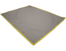 Anti-abrasion mat for use with collapsible bunds and spill mats